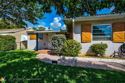 Hollywood Single Family Home For Sale: 2537 Taylor St