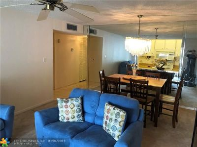 Coral Springs Condo/Townhouse For Sale: 4162 NW 90th Ave #104