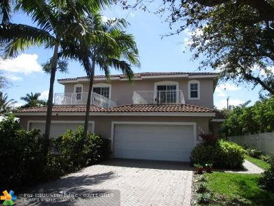 Pompano Beach Single Family Home For Sale: 2562 NE 11th St
