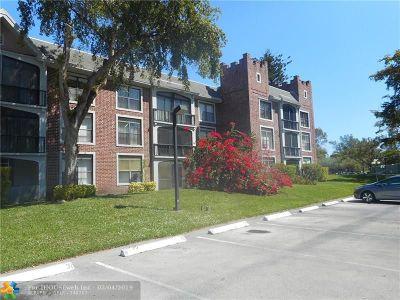 Lauderhill Condo/Townhouse For Sale: 3760 Inverrary Dr #1J