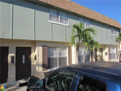 Plantation Condo/Townhouse For Sale: 4647 NW 9th Dr