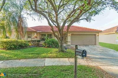 Coconut Creek Single Family Home For Sale: 4205 NW 59th St