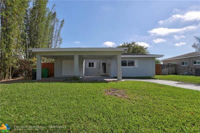 Tamarac Single Family Home For Sale: 8156 NW 66th Ter