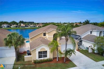 Boca Raton Single Family Home For Sale: 18915 La Costa Ln