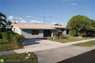 Hialeah Single Family Home For Sale: 1129 W 50th Pl