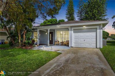 Boynton Beach Single Family Home For Sale: 9060 Chrysanthemum Dr