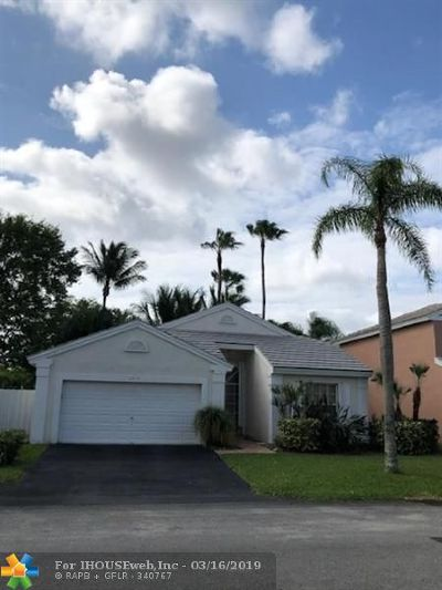 Coconut Creek Single Family Home For Sale: 5274 NW 54th St