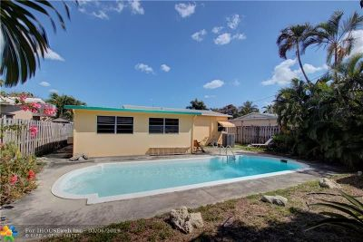 Oakland Park Single Family Home For Sale: 5257 NE 1st Ter