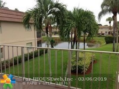 Delray Beach Condo/Townhouse For Sale: 192 Brittany D #192