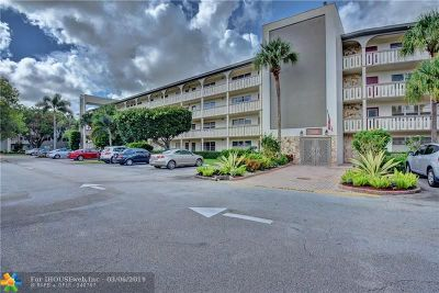 Coconut Creek Condo/Townhouse For Sale: 1704 Andros Isle #A2