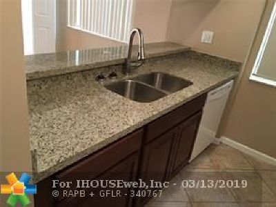 Sunrise Condo/Townhouse For Sale: 3541 NW 99th Ter #3541