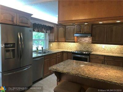 Margate Single Family Home For Sale: 1613 E River Dr
