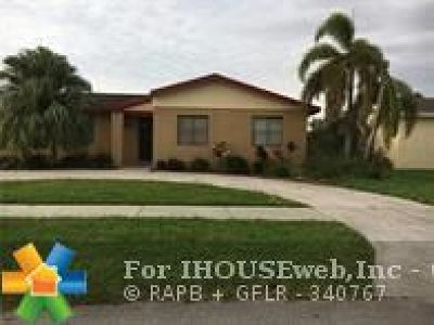 Miami Single Family Home For Sale: 12321 SW 187th St