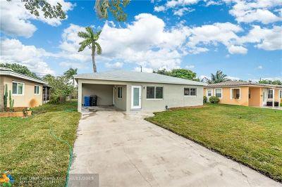Oakland Park Single Family Home For Sale: 4680 NE 2nd Ave