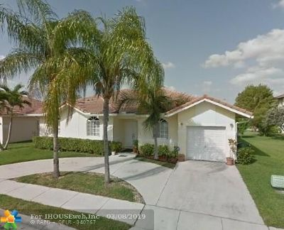 Tamarac Single Family Home For Sale: 7615 NW 99th Ter