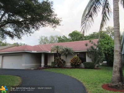 Coral Springs Single Family Home For Sale: 5215 NW 98th Ter