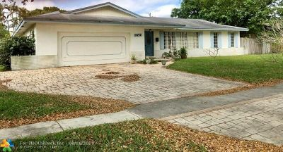 Plantation Single Family Home For Sale: 7451 NW 6th Ct