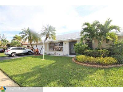 Margate Single Family Home For Sale: 7604 Sunflower Dr