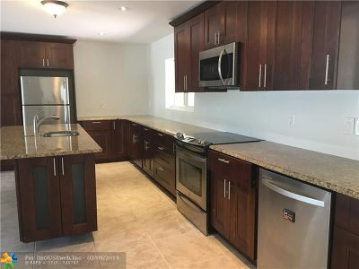 Coral Springs Single Family Home For Sale: 8446 NW 26th Dr