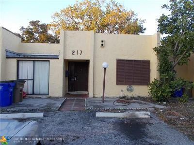 Pompano Beach Condo/Townhouse For Sale: 217 NW 46th Ct