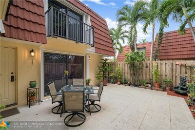 Plantation Condo/Townhouse For Sale: 9982 NW 6th Court