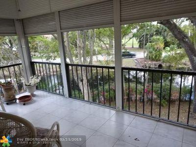 Lauderhill Condo/Townhouse For Sale: 6010 S Falls Circle Dr #216
