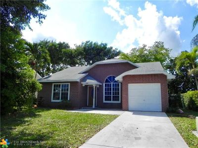 Boynton Beach Single Family Home For Sale: 5659 Pebble Brook Ln