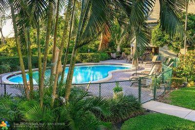 Boca Raton Condo/Townhouse For Sale: 501 SW 11th Pl #303A