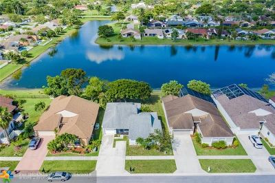 Boca Raton Single Family Home For Sale: 21585 Woodstream Ter