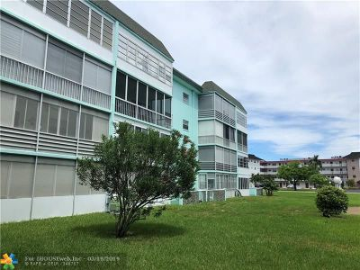 Lauderdale Lakes Condo/Townhouse For Sale: 4141 NW 44th Ave #418