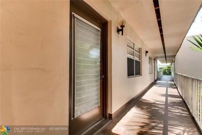 Delray Beach Condo/Townhouse For Sale: 525 Normandy K #525