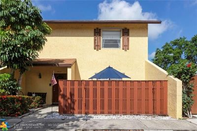Pompano Beach Condo/Townhouse For Sale: 4413 NW 3rd Ter #4413