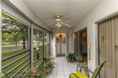 Boca Raton Condo/Townhouse For Sale: 23344 Carolwood Ln #205