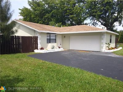 Tamarac Single Family Home For Sale: 8801 NW 76th St