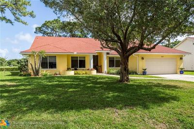 Delray Beach Single Family Home For Sale: 807 Par Cir
