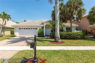 Boca Raton Single Family Home For Sale: 19766 Dinner Key Dr