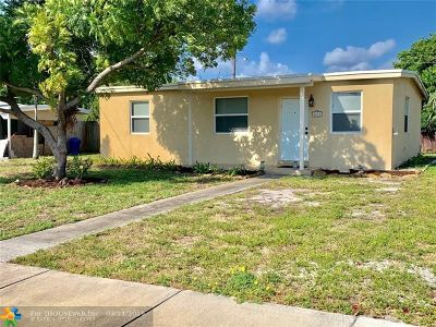 Pompano Beach Single Family Home For Sale: 5215 NE 18th Ter
