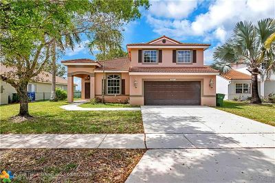 Pembroke Pines Single Family Home For Sale: 660 SW 164th Ave