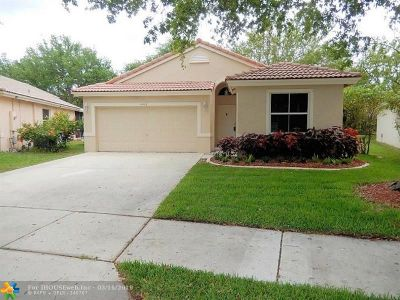 Coconut Creek Single Family Home For Sale: 4922 NW 54th Ave