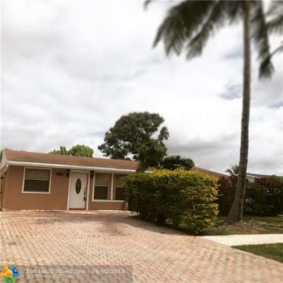 North Lauderdale Single Family Home For Sale: 6811 SW 18th St
