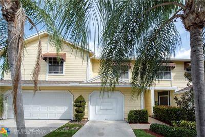 Boca Raton Condo/Townhouse For Sale: 5235 Sapphire Vly