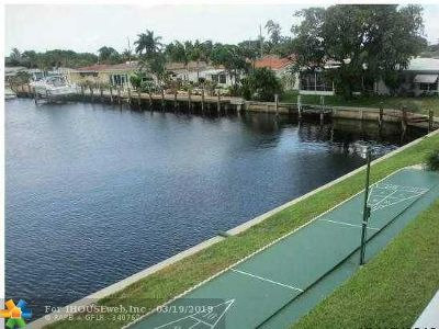 Pompano Beach Condo/Townhouse For Sale: 331 E McNab Rd #228