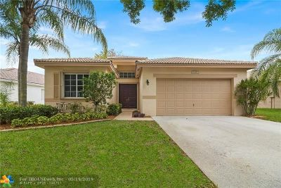 Coconut Creek Single Family Home For Sale: 5319 Flamingo Ct