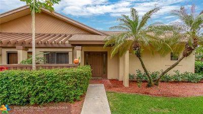 Coconut Creek Condo/Townhouse For Sale: 3951 Cocoplum Cir #3C