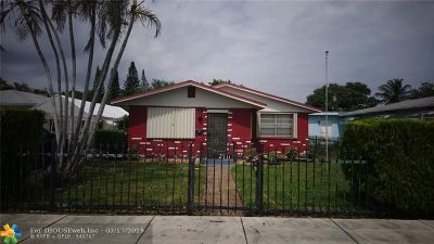 Hollywood Single Family Home For Sale: 2711 Dewey