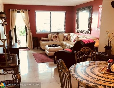 Hallandale Condo/Townhouse For Sale: 301 Golden Isles Dr #114