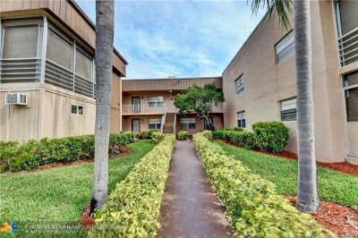 Delray Beach Condo/Townhouse For Sale: 35 Burgundy A #35