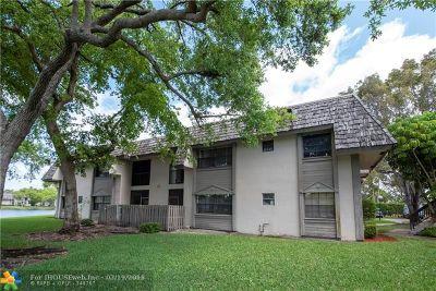 Sunrise FL Condo/Townhouse For Sale: $159,000
