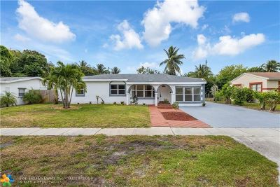 Broward County Single Family Home For Sale: 419 E Evanston Cir