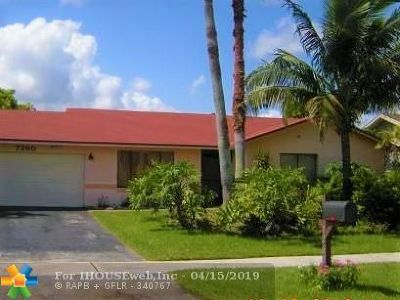 Lauderhill Single Family Home For Sale: 7260 NW 45th Ct